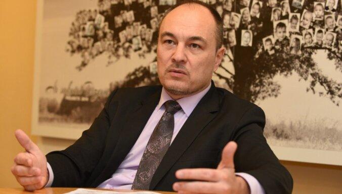 Премьер заявил, что он против Парадниекса в роли главы Фонда интеграции