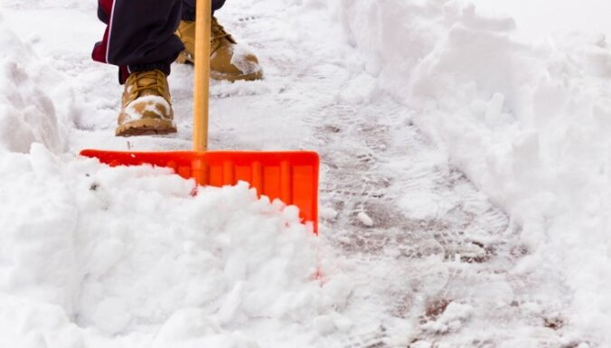 Sniegs sabojājis Īglsas bobsleja un skeletona trases pārsegumu, atcelti treniņi