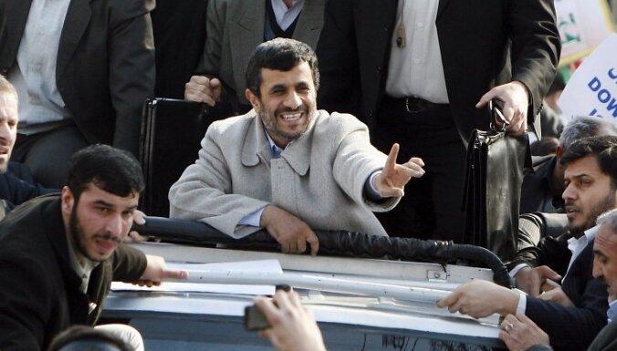 Ahmadinedžads sola globālu atbildi, ja Irānai tiks uzbrukts