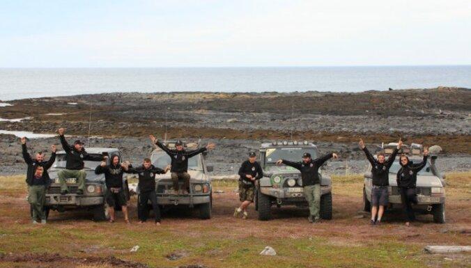 '10 tēviņu ekspedīcija pa bezceļiem' uz Murmansku
