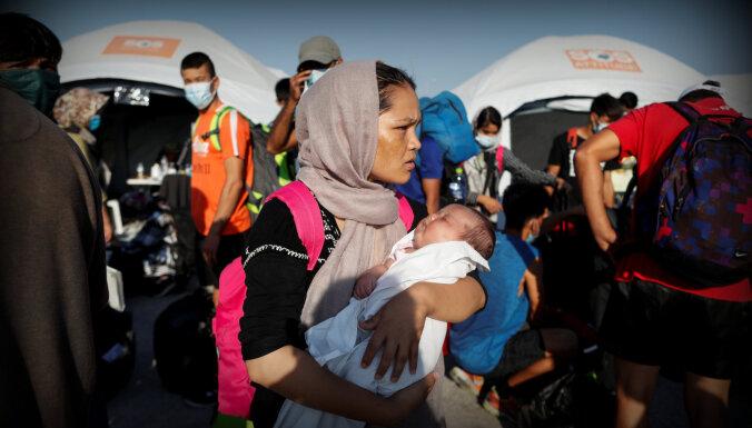 EK uzstāj uz obligātas solidaritātes sistēmas nepieciešamību migrācijas jautājuma risināšanai