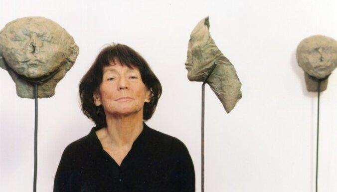 Būs skatāma slavenās poļu mākslinieces Magdalēnas Abakanovičas darbu izstāde