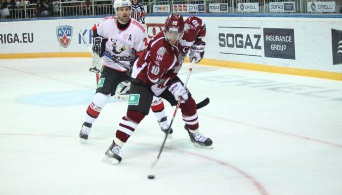 KHL, Rīgas Dinamo - Traktor, Deron Quint, Lauris Darzins