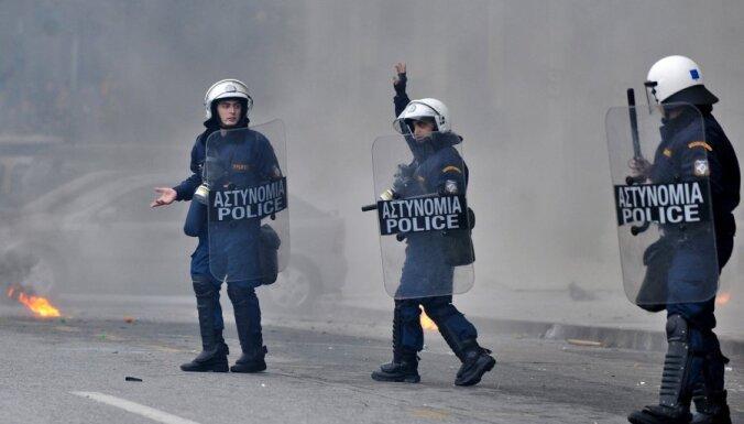 Ēģiptes policija veic kratīšanas nevalstisko organizāciju birojos