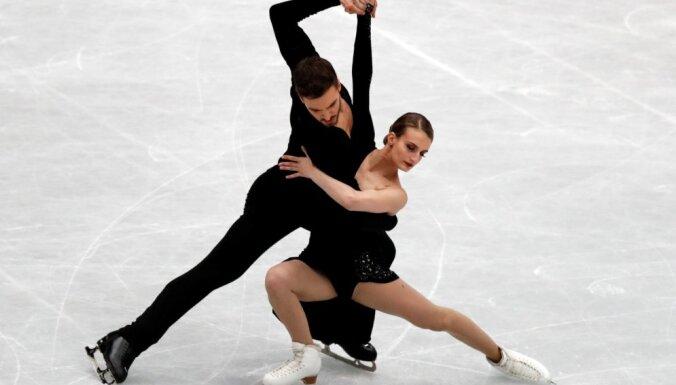 Francūži Papadaki/Sizerons sper soli pretī ceturtajam pasaules čempionu titulam dejās uz ledus