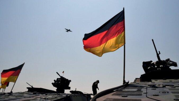 Германия поставила Литве первые два бронетранспортера с полным оснащением
