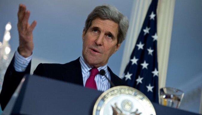 Kerijs: Sīrijas armija un nemiernieki var sadarboties pret 'Daesh', arī Asadam paliekot amatā