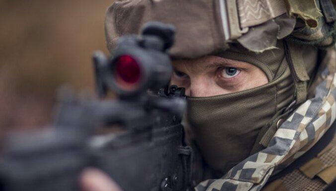 Левитс согласился с Пабриксом, что Латвия может еще немного увеличить оборонный бюджет