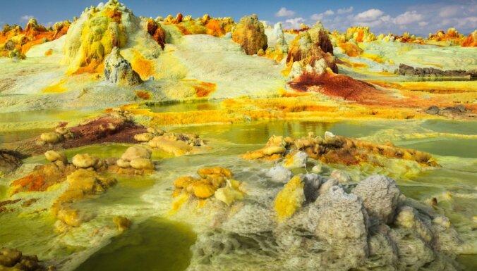 Septiņi iespaidīgi ģeoloģiskie dabas brīnumi no visas pasaules