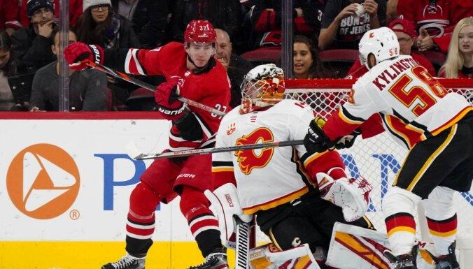 Video: Krievijas talants Svečnikovs NHL spēlē atkārto Indraša šedevru