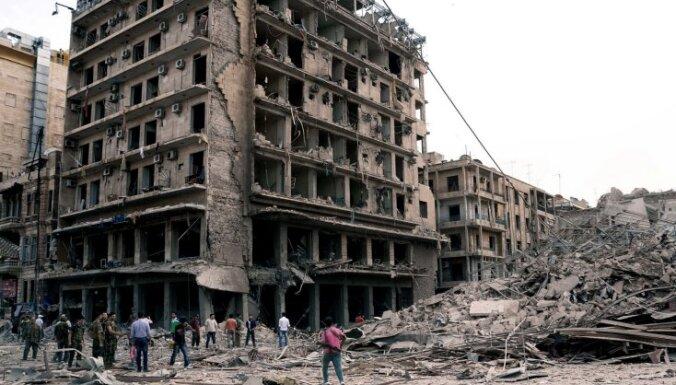 Bumbu sprādzienos Alepo desmitiem bojāgājušo