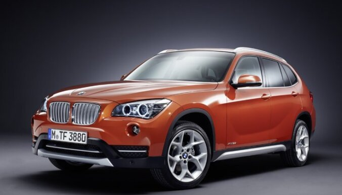 'BMW' atjauninājis kompakto apvidnieku 'X1'