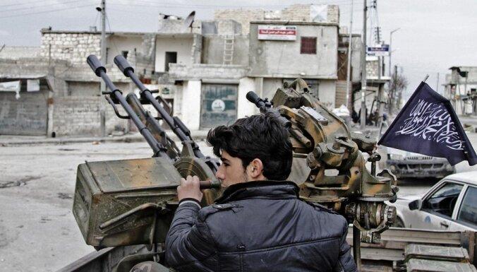 ES eksperts: Sīrijā karo simtiem eiropiešu