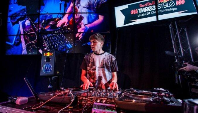 Klasiskās nevainības zaudēšana Nr.7. LNSO satiek jaunu klausītāju – Funky DJ Elegant
