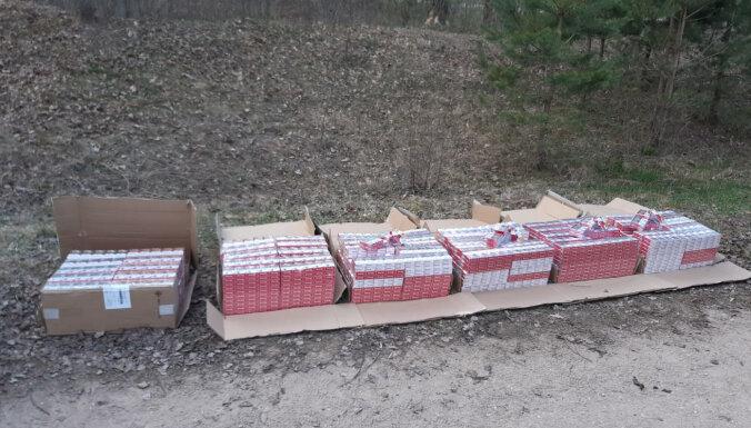 Полиция изъяла 60 000 сигарет: часть прятали в яме, часть в машине