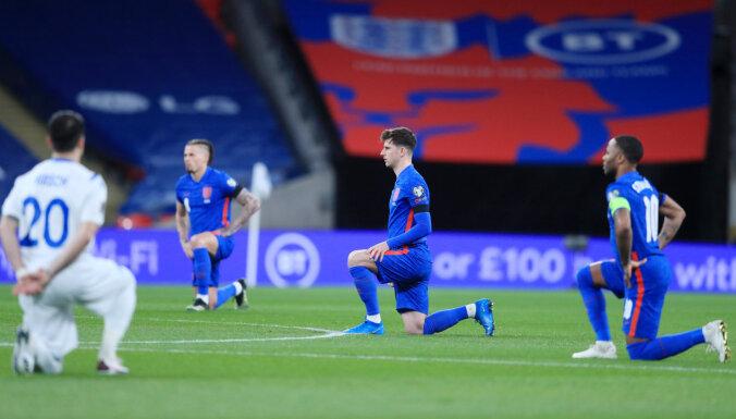 Англичане будут вставать на колено перед матчами ЕВРО-2020, а шотландцы — нет