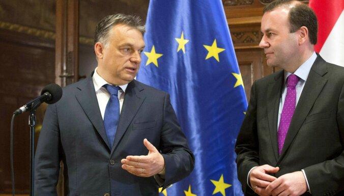 Orbans paziņo par 'Fidesz' izstāšanos no Eiropas Tautas partijas