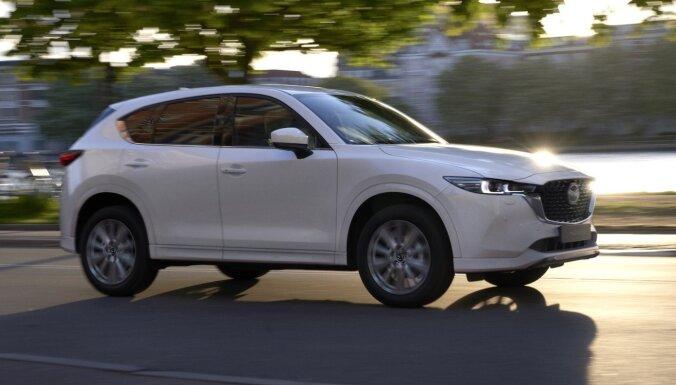 Modernizētā 'Mazda CX-5' ieguvusi vairākus vizuālā noformējuma variantus