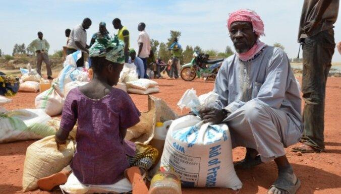 Pie Maltas krastiem izglābti aptuveni 130 Āfrikas bēgļu