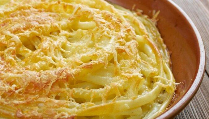Makaronu sacepums ar siera mērci