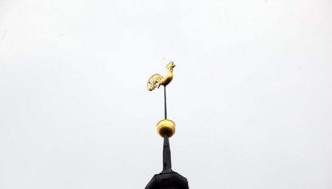 В пятницу со шпиля собора Св. Иакова снимут петушка, чтобы восстановить на нем позолоту