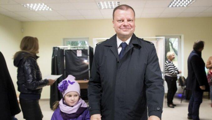 Sākotnējie rezultāti: Lietuvas Seima vēlēšanās uzvar Zemnieku un zaļo savienība