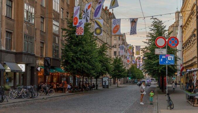 На выходных на улице Тербатас пройдут занятия по йоге и интеллектуальные игры