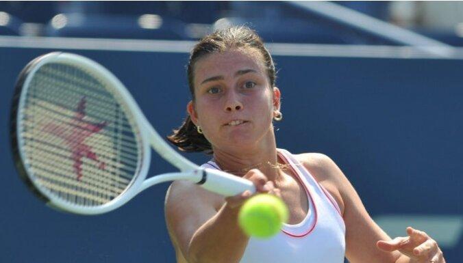 Sevastova Luksemburgas tenisa turnīra pirmajā kārtā uzvar ar ceturto numuru izlikto Penetu