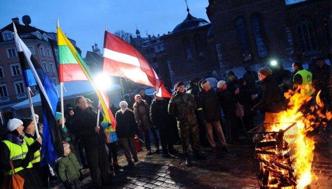 Крестьяне Балтии зажгли костры за справедливые субсидии ЕС