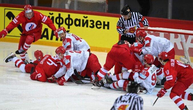 Krievijas hokejistiem 'sausā' uzvara pār Dāniju
