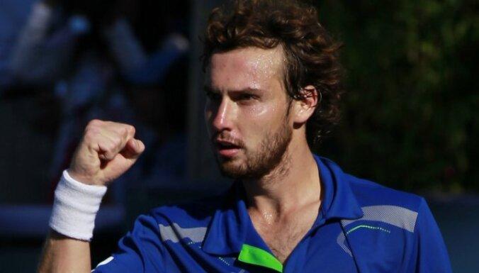 Gulbis pēc uzvaras Losandželosā ievērojami pakāpjas ATP rangā