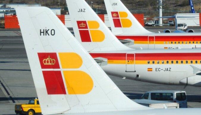 Spāņu aviokompānijas 'Iberia' pilotu streika dēļ atcelti daudzi reisi