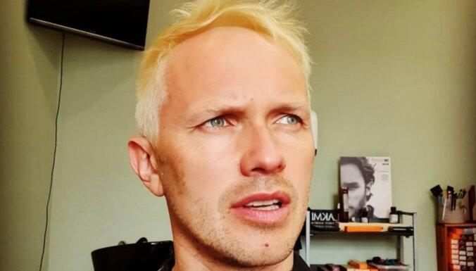 Renārs Kaupers kļuvis par blondīnu