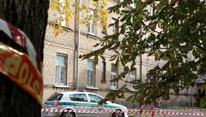 Владелец обрушившегося дома на ул. Лачплеша предлагает арендаторам по 1000 евро