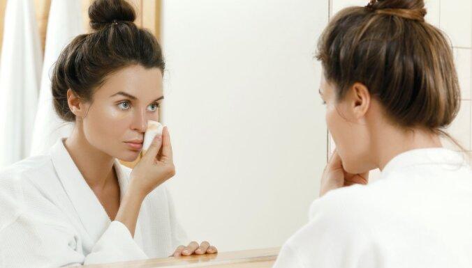 Kā efektīvi noņemt kosmētiku, netraumējot ādu