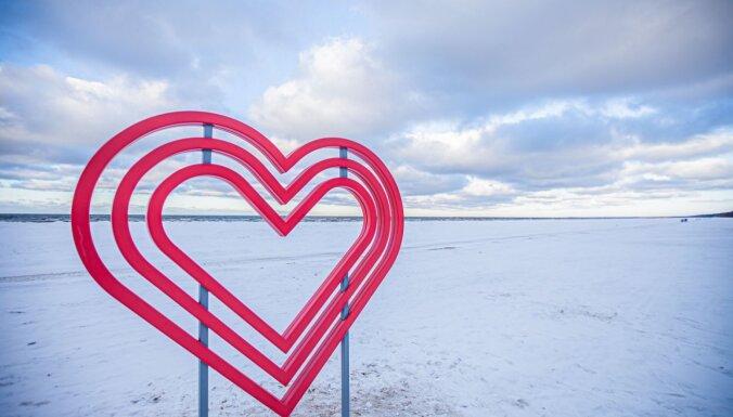 """""""Сердце"""" на пляже, новая прогулка-квест и пикник в дюнах: Пять идей как провести День Валентина в Юрмале"""