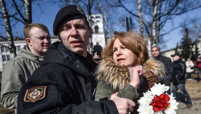 Аресты в Беларуси: блогер с температурой и еще около 100 человек за решеткой после стримов
