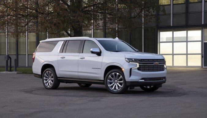 Milzīgais apvidnieks 'Chevrolet Suburban' jaunajā paaudzē kļuvis vēl lielāks