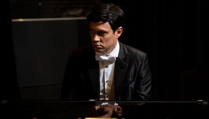 Muzikālajā izrādē 'Leģendas dzimšana' būs jaunas Raimonda Paula dziesmas pirmatskaņojums