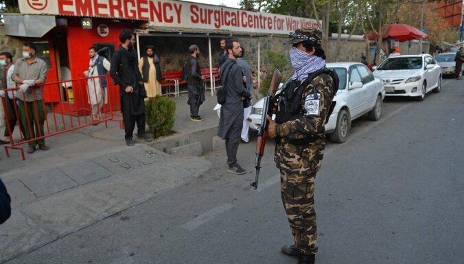 У входа в кабульскую мечеть взорвалась бомба, есть погибшие
