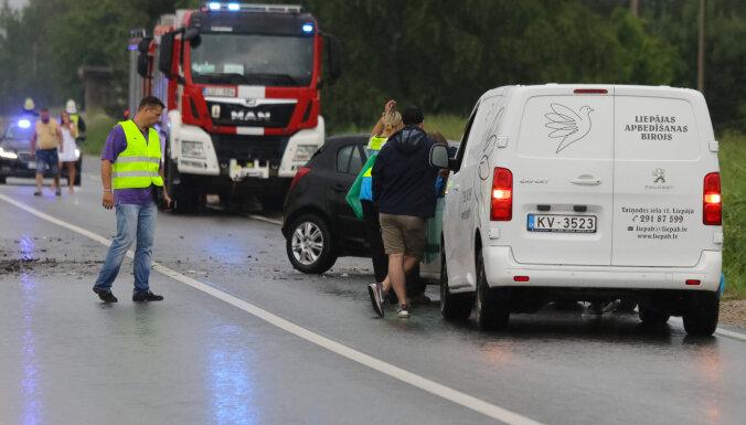 Авария под Лиепаей: начат уголовный процесс о гибели матери и двух детей