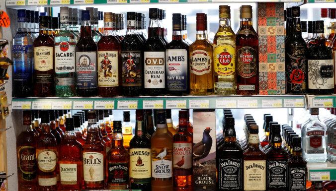Atbalsta alkoholisko dzērienu tirdzniecību internetā