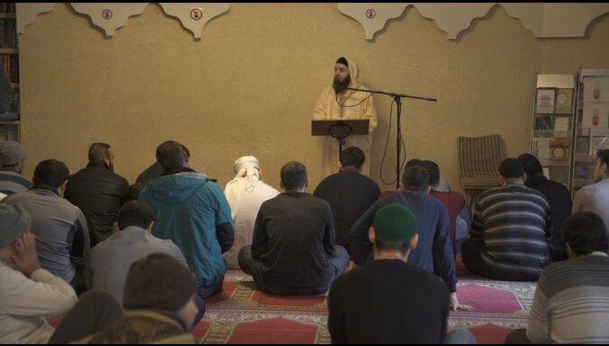 Kārlis Lesiņš uzņēmis dokumentālo filmu par Latvijas musulmaņu kopienu