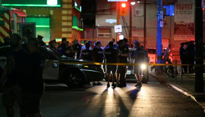 В Торонто в результате стрельбы погибли два человека, еще 13 ранены
