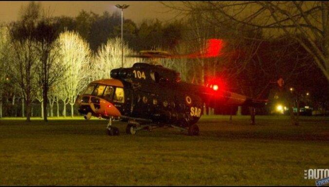 Вертолет с роженицей приземлился в сложных условиях