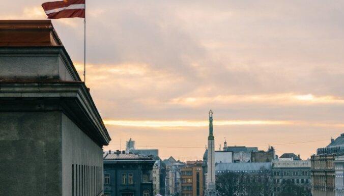 Надо будить принцессу! Вайра Вике-Фрейберга про волшебную Латвию, Крокодила Гену и политиков-поросят