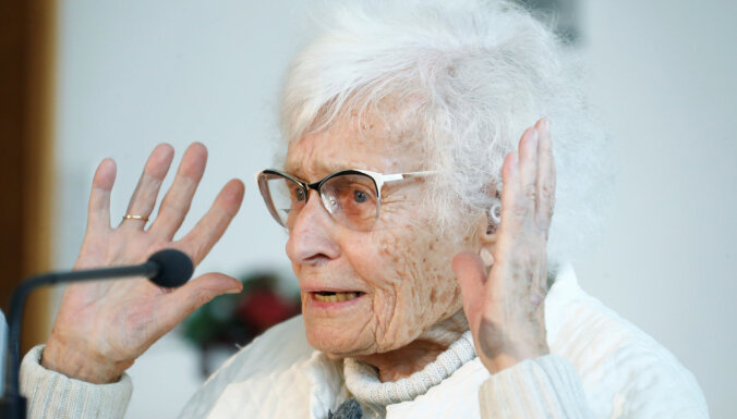 ФОТО: Самый пожилой депутат Германии ушла на пенсию. Ей 101 год