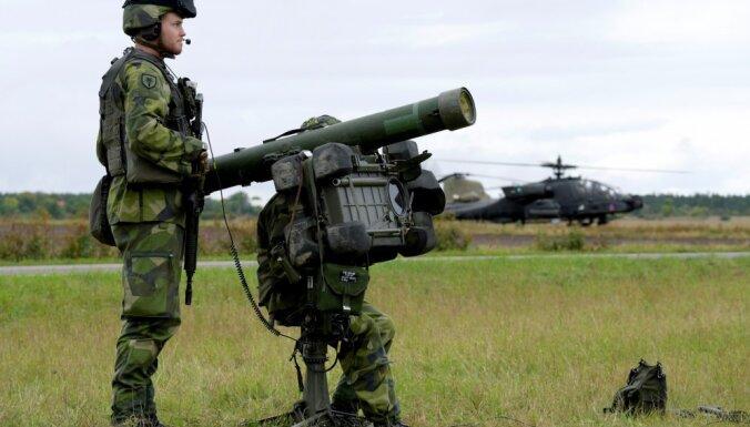 Zviedrija mudina iedzīvotājus kara gadījumā nedēļu izturēt bez atbalsta