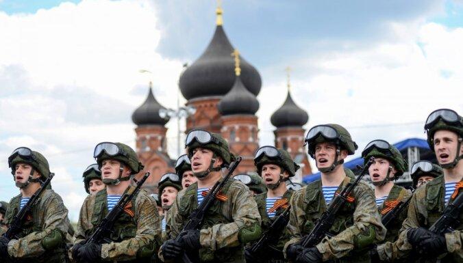 Россия разместит десятки тысяч военнослужащих у границ со странами Балтии