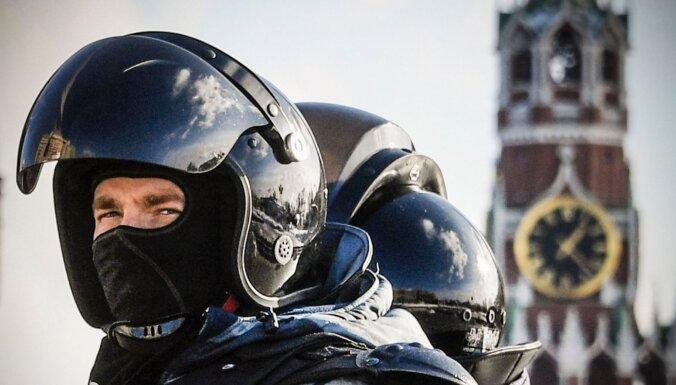 Navaļnija līdzgaitnieks aicina uz jaunu protestu taktiku Krievijā